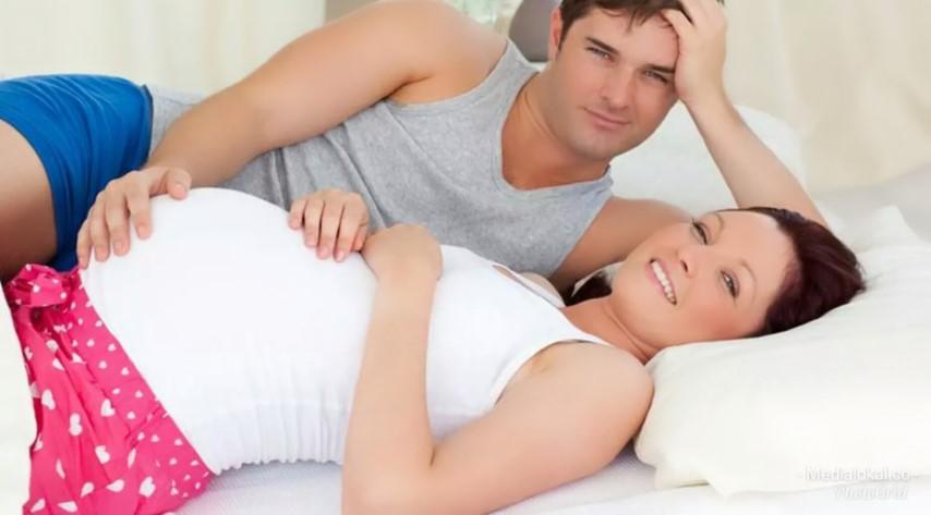 Смотреть секс девушки беременной, Порно видео с беременными, огромная домашняя 11 фотография