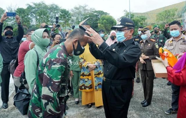 Kunker Danrem 031 Wirabima Ke Inhil, Bupati HM.Wardan Sambut Dengan Adat Melayu